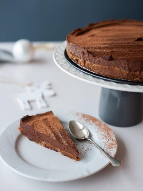 Bezglutenski kolač od avokada i datulja
