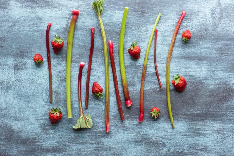Kolac od rabarbare i jagoda