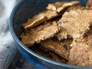 Zdrave grickalice - krekeri od zobenih pahuljica, pira, heljdinog brašna