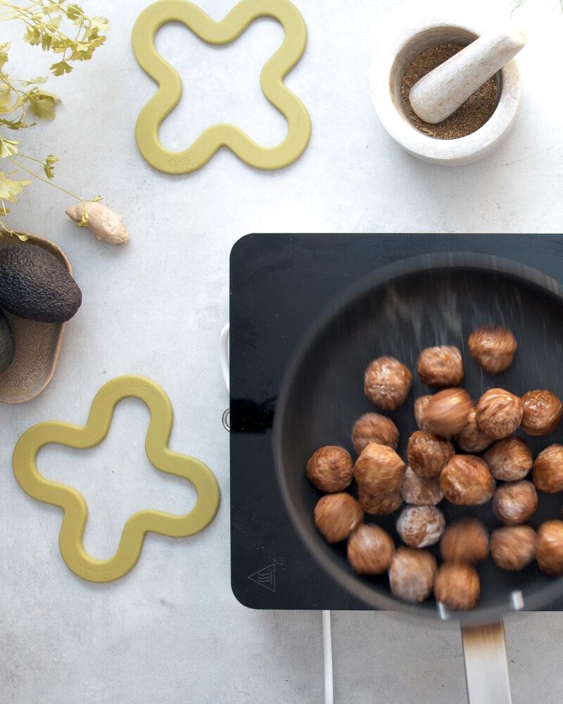 Gladuša.com IKEA Huvudroll biljne okruglice u tavi na kuhalu